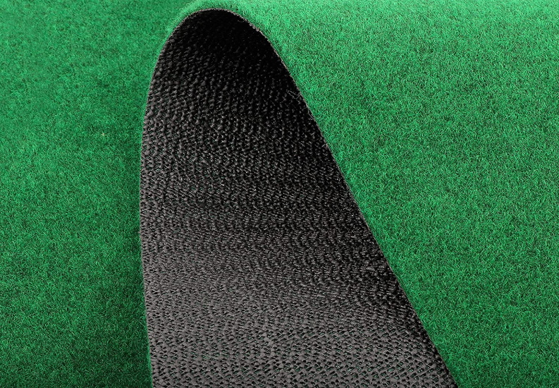 Durability of putting green with ball return