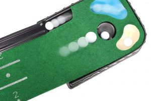 Features of putting green with ball return